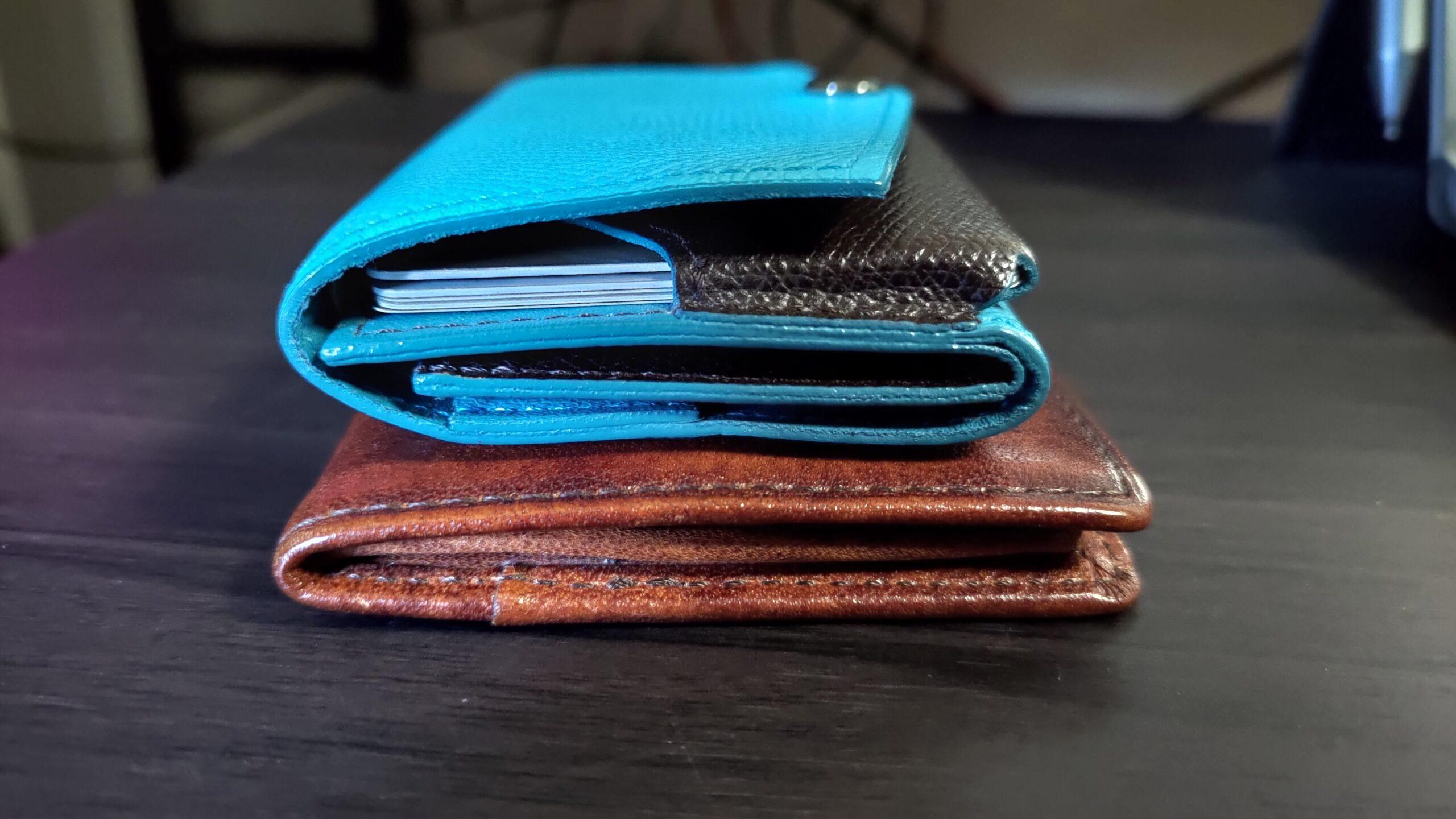 小さい財布 vs G-3a